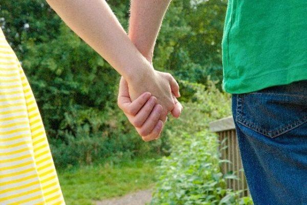 【コラム】①生理中でも可愛い!『彼氏の反応』は?初めて布ナプキン体験談