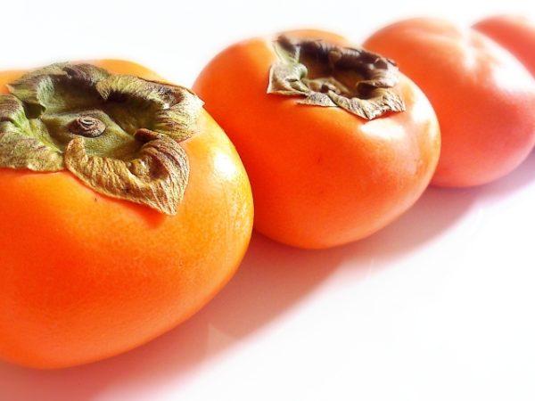 【コラム】柿でも食べてイライラ解消!果物の王様