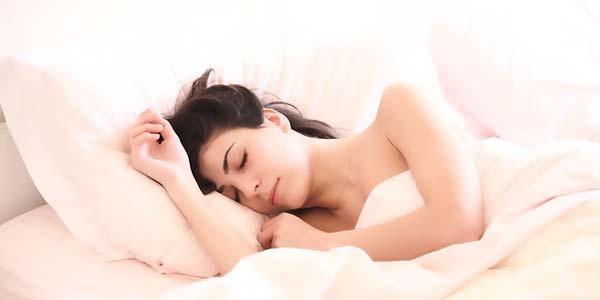 【コラム】もう生理中に夜のモレで悩まない!量が多い人のマル秘対処方法